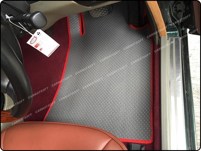 ยางปูพื้นรถยนต์ BENZ E220 W124 (ปี 85-96) รุ่น MINI MAT กระดุมเม็ดเล็ก สีเทาขอบแดง