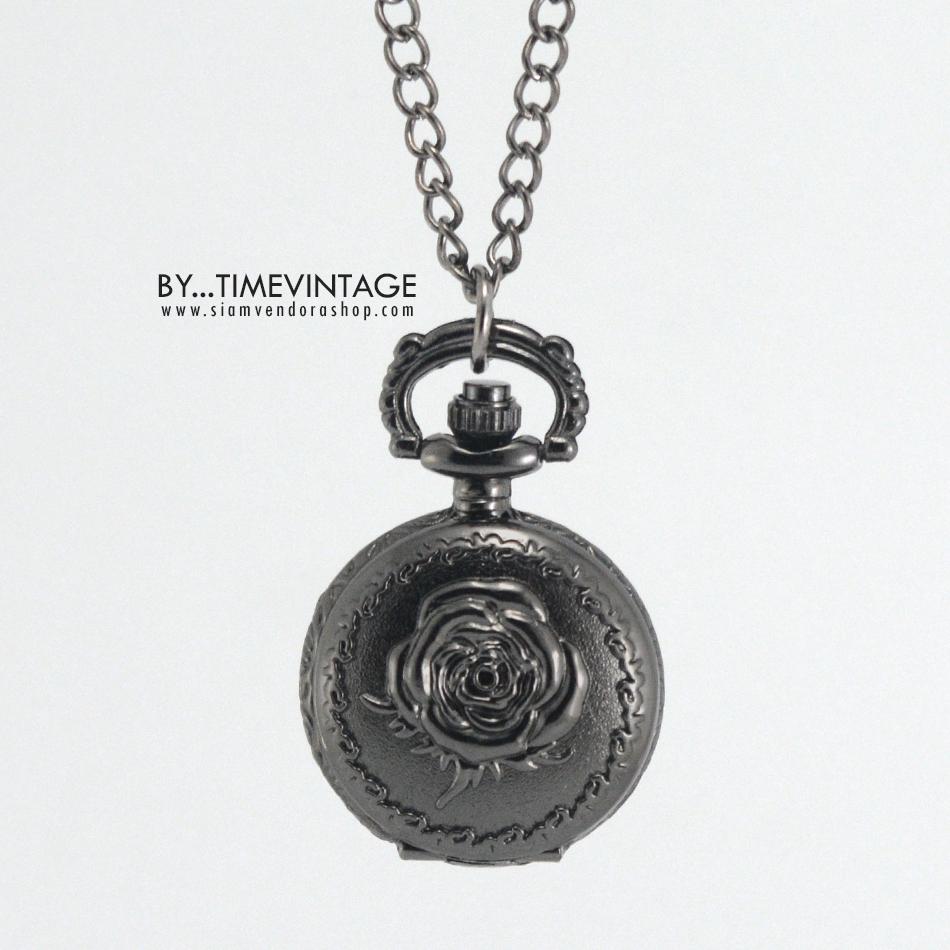 สร้อยคอแบบจี้นาฬิกาสีดำด่าง ลายกุหลาบเล็ก Sweet Rose (พร้อมส่ง)