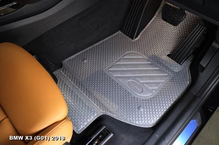 พรมปูพื้นรถยนต์ BMW X3 G01 2018 กระดุมเม็ดเล็กรีดขอบ สีเทา