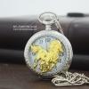 นาฬิกาของขวัญมงคลตัวเรือนสีเงินลายม้ามงคลสีทองระบบถ่านควอทซ์ญี่ปุ่น