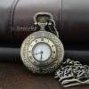 นาฬิกาพกโรมันเถาวัลย์สีทองเหลืองแบบขนาดกลาง