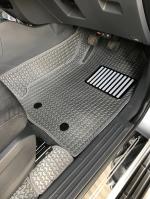 พรมปูพื้นรถยนต์ NEW RENGER CABลายธนู สีเทา เต็มคัน เข้ารูป100% (พื้นหลังเรียบ+กันสึก)