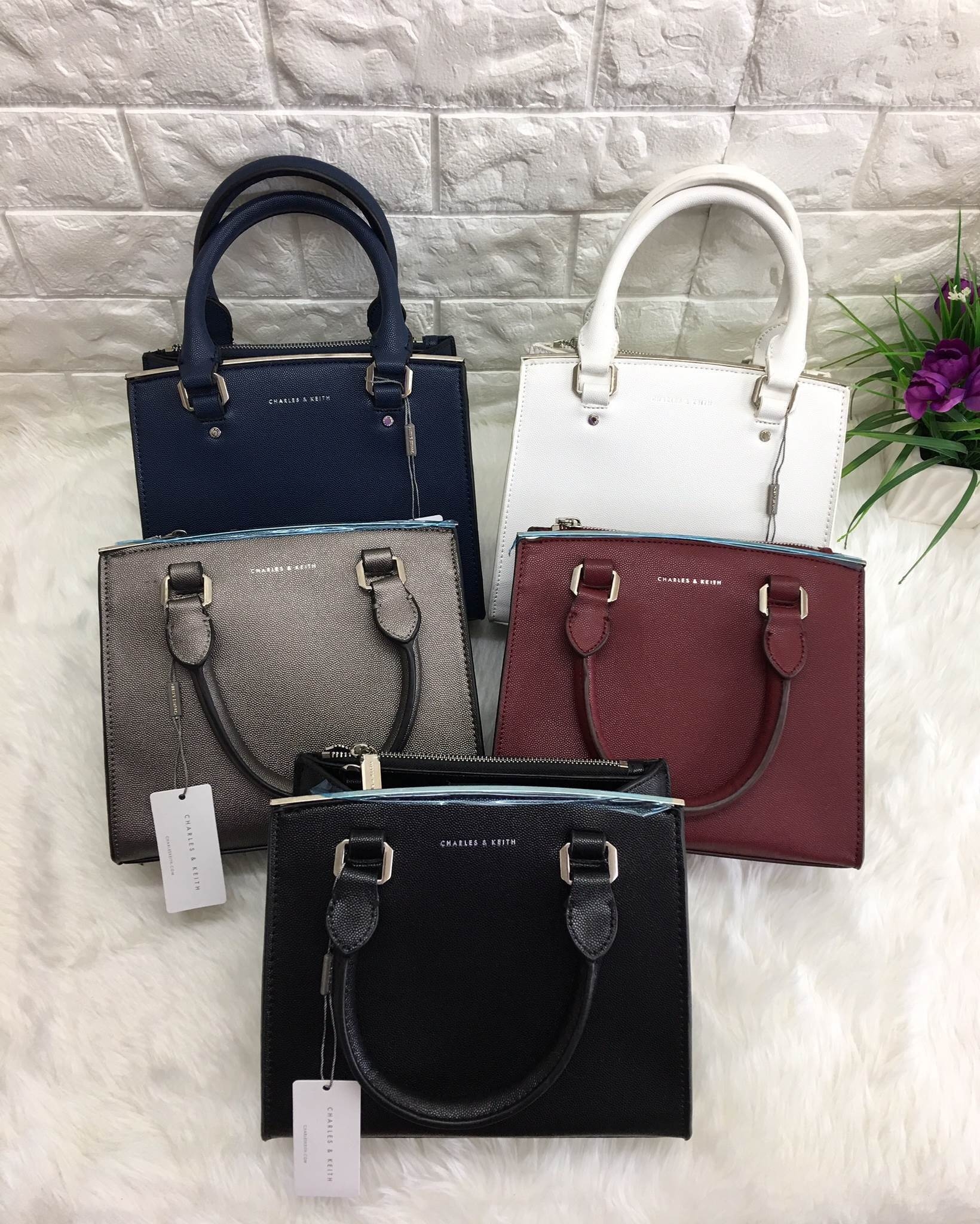 bb12926df3e5 NEW ARRIVAL CHARLES   KEITH BASIC STRUCTURED BAG - เคสไอโฟน iPhone ...